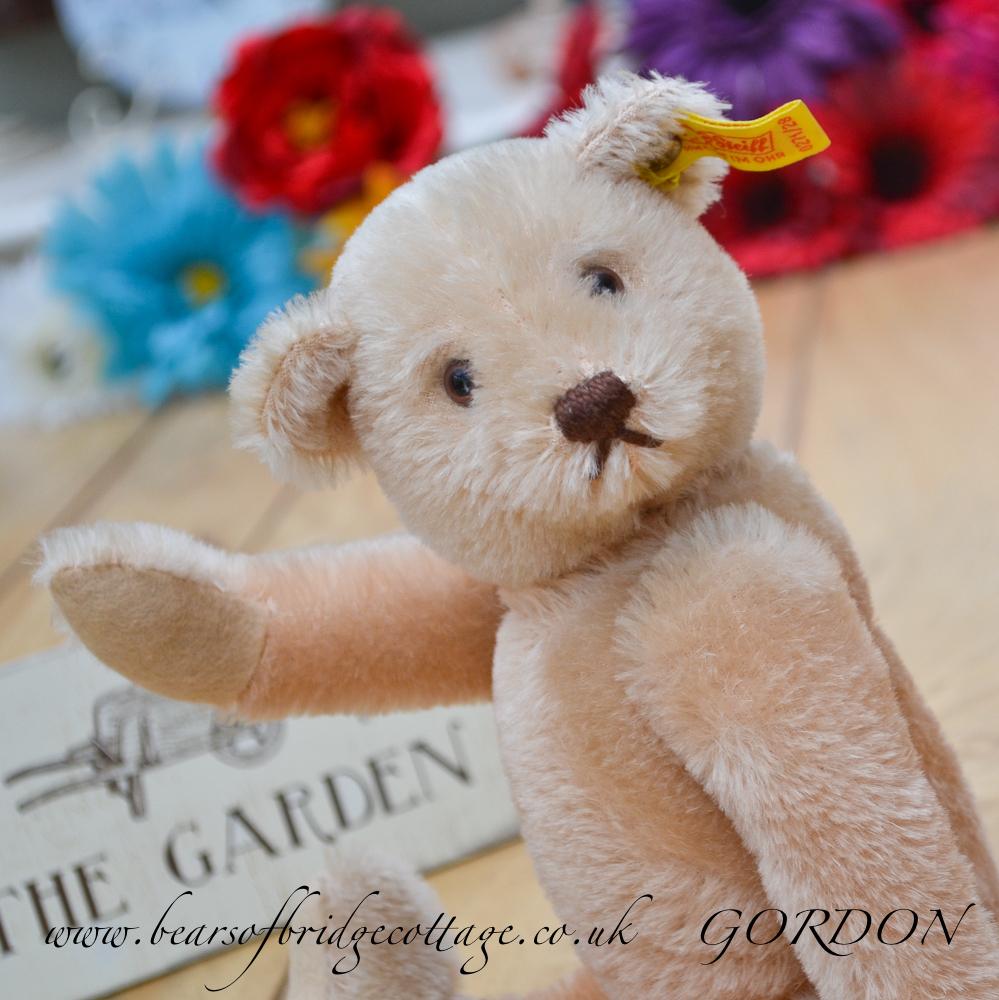 steiff teddy bear for sale gordon the groom vintage teddy bear for sale in online shop. Black Bedroom Furniture Sets. Home Design Ideas